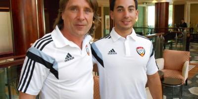 Patrice Coutard avec Guillaume Vachaud -à droite), les deux Français du banc émirati.    @2022mag.com