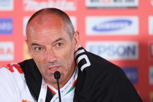 Paul Le Guen, coach d'Oman   @ AFC media channel