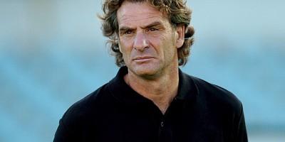 En echec,  Daniel Carreno  a té remplacé par Jorge Fossati
