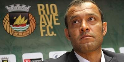 Nuno Espirito Santo veut bien conserver Feghouli à Valence
