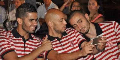 Yassine Mikari entre  Houcine Nater et Tijani Belaïd