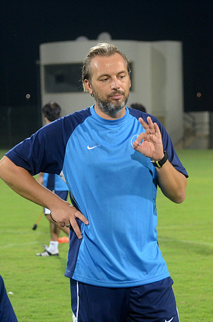 Après avoir débuté la saison à lla JS Saoura, le Français a rejoint le WAC.