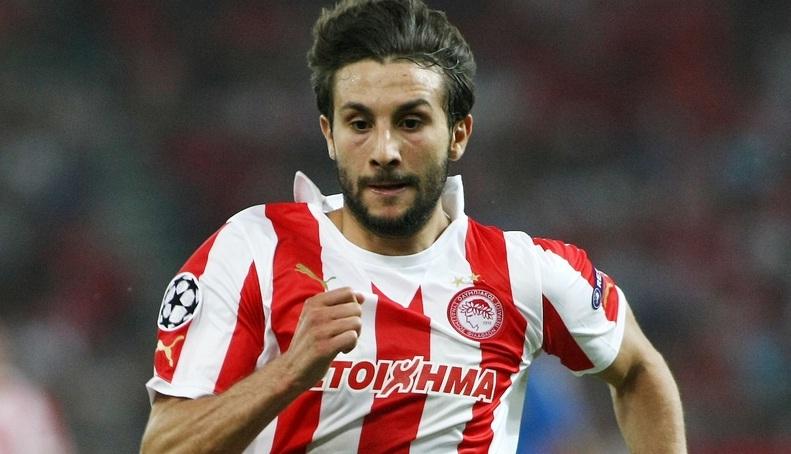 Djamel Abdoun sous les couleurs de l'Olympiakos