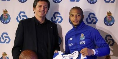 Yacine Brahimi, FC Porto, élu homme du match contre Funchal ((photo www.fceporto.pt )