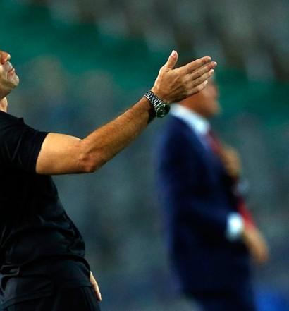 Gomes Da Rosa au Stade du Caire lors de la demi-finale Ahly-Coton Sport (photo page Facebook de l'entraîneur)