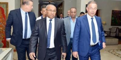 Fouzi Lekjaa accueillant Ahmad Ahmad le  président de la CAF en 2017