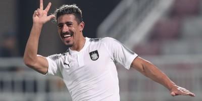 Baghdad Bounedjah, élu meilleur attaquant de la QSL 2018 (photo qsl.com.qa)