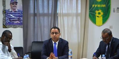 Ould Yahia présidant le CE de la FFRIM (photo FFRIM.jpg)
