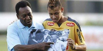 Pelé - Neymar, deux époques, deux génies