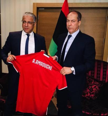 Adel Amrouche après la signature de son contrat