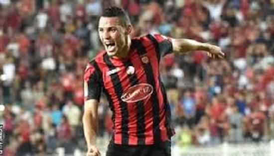 Oussama Darfalou, USM Alger