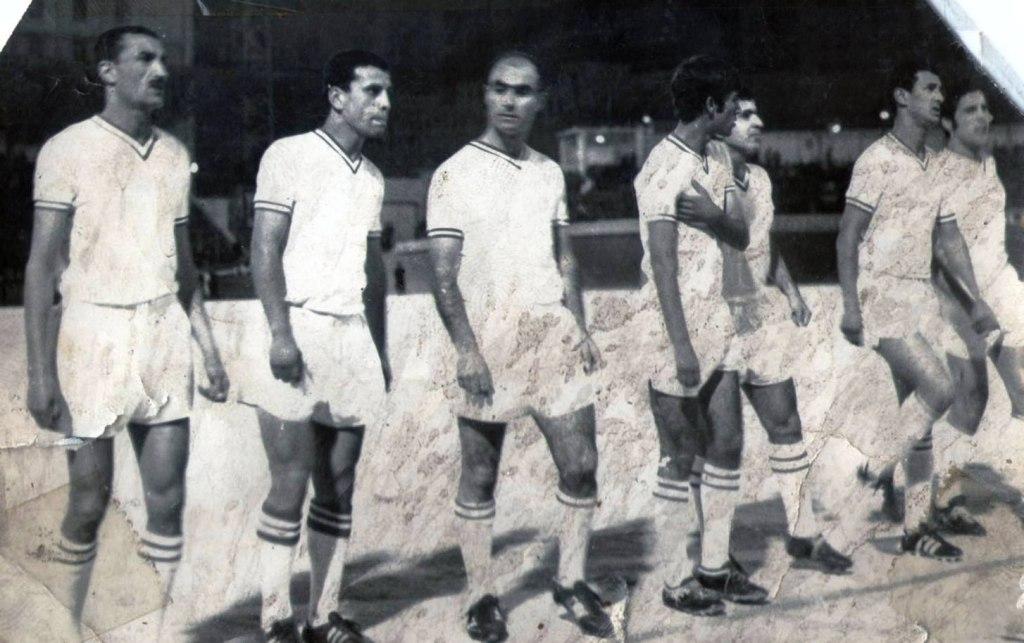 Belcourt et Lalmas dans un match contre le WA Casablanca en Coupe du Maghreb des clubs champions en 1970 (photo dr)