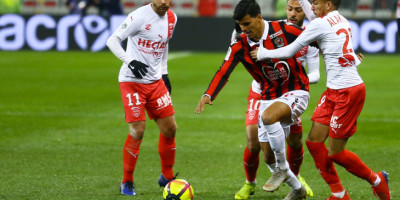 Youce Atal, intenable face à Nîmes (2-0), photo ogcnice.com)
