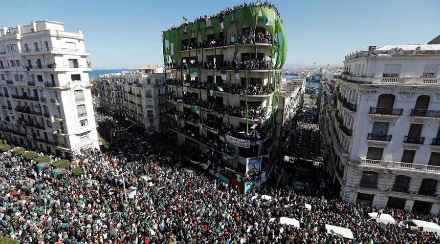 Les manifestations montres et pacifiques en Algérie  durent depuis le    22 février