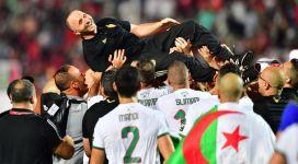 Djamel Belmadi a replace l'Algérie en tête du peloton africain ( photo cafonmine.com )