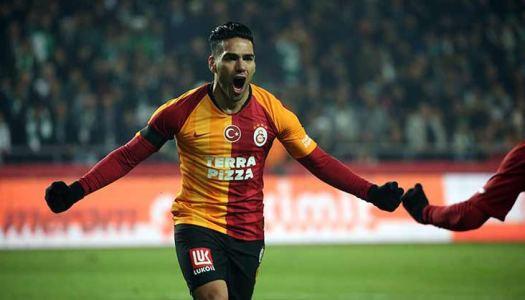 Al Hilal  Riyad: objectif  Radamel Falcao