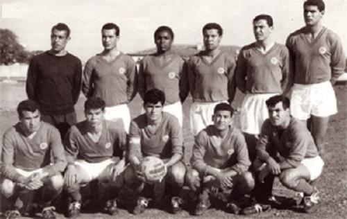 Abdelmajid Chetali  double buteur face au Maroc (2-1), lors du match retour du premier tour   des éliminatoires du Mondial 1962, mais éliminé.