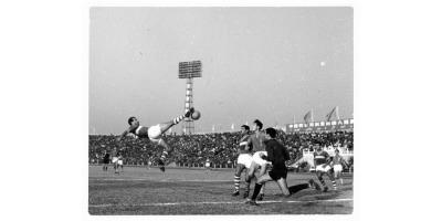 Equipe du FLN en tournée internationale de 1958 à 1962 (phono Fifa.com)