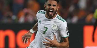 Riyad Mahrez : l'explosion de joie après e but de la qualification