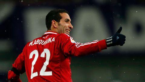 l-attaquant-egyptien-mohamed-aboutrika-lors-d-un-match-avec-son-club-d-al-ahli-le-9-decembre-2012-a-hiroshima-au-japon_5781461