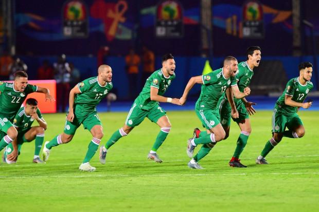 Algérie :  déjà qualifiés, les Fennecs défendront sans  répit leur série d'invincibilité qui dure depuis deux ans .