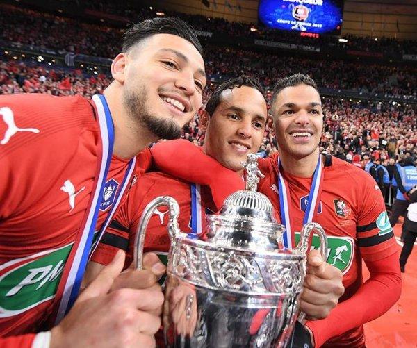 Avec Hatem Ben Arfa et Ramy Bensebaïni lors de la victoire en Coupe de France  face au PSG en 2019