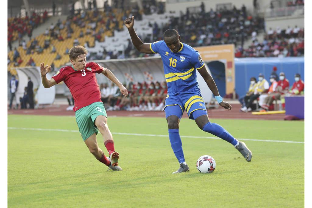 Maroc : Abdelkarim-Baadi-le-latéral-droit-lune-des-rares-satisfactions-élu-Homme-du-Match-face-à-Ernest-Sugira