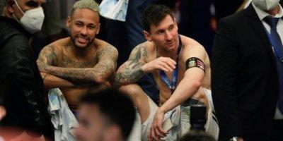 Neymar - Messi : il n' y eut qu'un seul vainqueur en finale de la Copa America. Mais l'amitié entre les deux champions est sortie renforcée